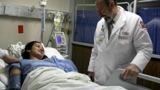 El Dr. Antonio  Peñafort, especialista de la SEDESA CDMX realizó 6 cirugías a sobrevivientes del sismo